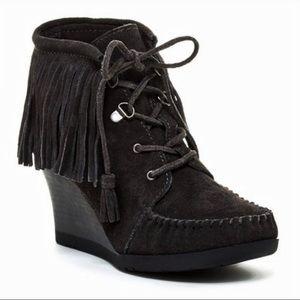 Minnetonka ankle fringe lace up leather bootie